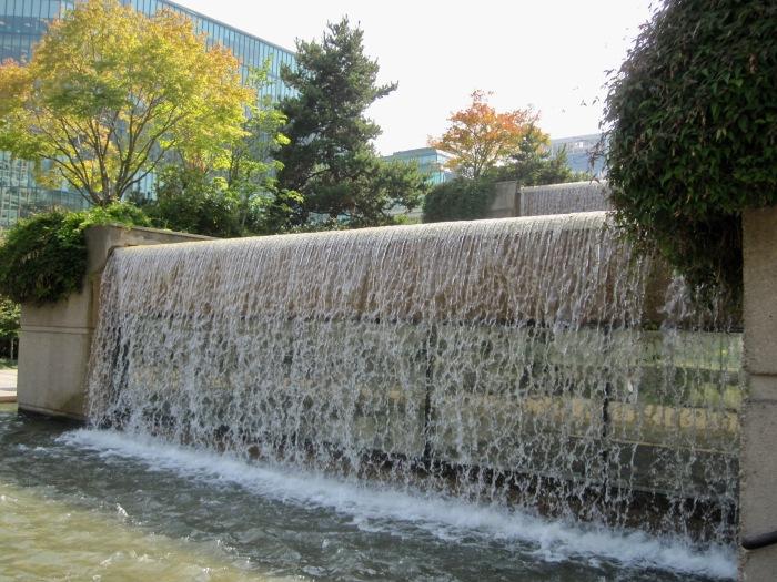Wasserspiele im Park